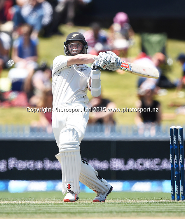 Kane Williamson hooks and is caught out on day 2 of the 2nd cricket test match between New Zealand Black Caps and Sri Lanka at Seddon Park in Hamilton, New Zealand. Saturday 19 December 2015. Copyright photo: Andrew Cornaga / www.photosport.nz