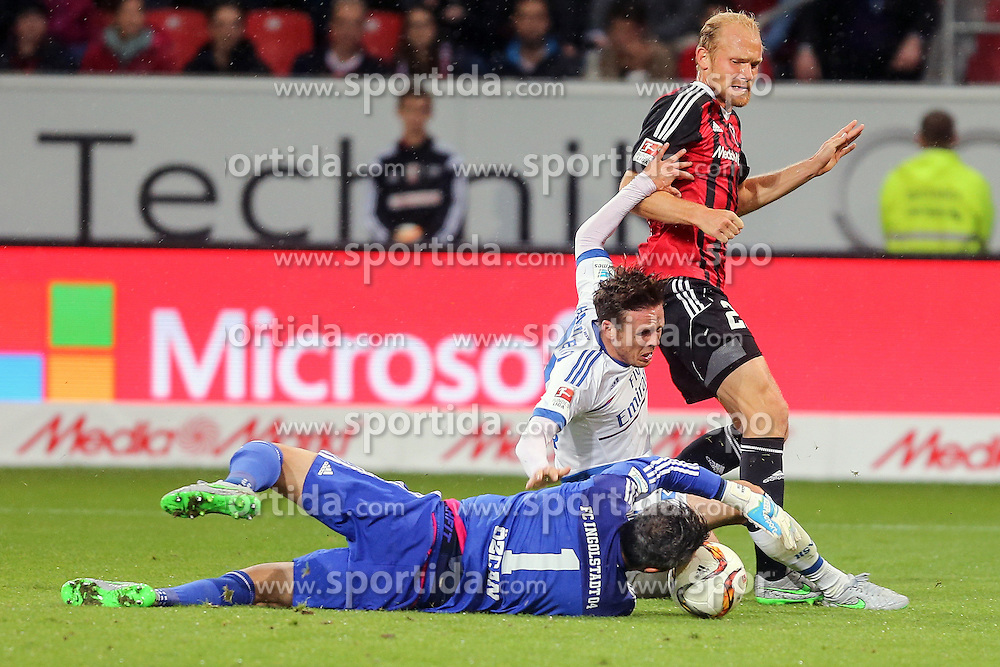 22.09.2015, Audi Sportpark, Ingolstadt, GER, 1. FBL, FC Ingolstadt 04 vs Hamburger SV, 6. Runde, im Bild Nicolai Mueller (Nr.27, HSV) versucht an Torwart Ramazan Oezcan (Nr.1, FC Ingolstadt 04) vorbeizukommen // during the German Bundesliga 6th round match between FC Ingolstadt 04 and Hamburger SV at the Audi Sportpark in Ingolstadt, Germany on 2015/09/22. EXPA Pictures &copy; 2015, PhotoCredit: EXPA/ Eibner-Pressefoto/ Strisch<br /> <br /> *****ATTENTION - OUT of GER*****