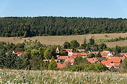 Blick auf Rundlingsdorf Tiefengruben, Thüringen, Deutschland   view on round village Tiefengruben, Thuringia, Germany