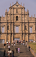 Macau. Ruins of St Paul church ; built in the 17th and destroyed in 1835 by fire, only the facade and the staircases remains/// the most famous sight of Macau .   (1620-1627)  the carvings by local and Japanese exile Christians represent a  - sermon in stone -   ///  Macao. ruines de l'église Saint Paul. (symbole de la ville). église construite par les jésuites a partir de 1602 dont il ne reste que la façade, détruite dans un incendie en 1835 /// R211/17    L1586  /  R00211  /  P0006590