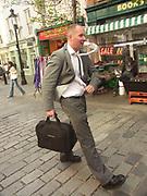 A51PBB Street perfomer Covent Garden London England
