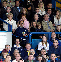 Photo: Jed Wee.<br />Leeds United v Southend United. Coca Cola Championship. 28/10/2006.<br /><br />New Leeds manager Dennis Wise joins the rest of the crowd in rueing a missed opportunity as he spends most of the first half watching his team from the director's box.