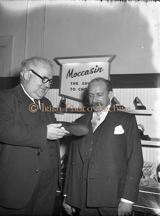 01/11/1955<br /> 11/01/1955<br /> 01 November 1955<br /> <br /> Mr Jones and Mr CK Rudkin, Managing Director Moccasin Shoemakers, Kilkenny, at Shoe Show, Russell Hotel, Dublin