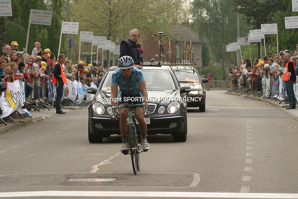 Ronde van Overijssel 2004<br /> Piet Rooijakkers net als in 2003 op het podium