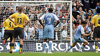 Photo: Paul Thomas.<br /> Manchester City v Arsenal. The Barclays Premiership. 26/08/2006.<br /> <br /> Joey Barton (2nd R) scores for Man City (Ball in top of the net).