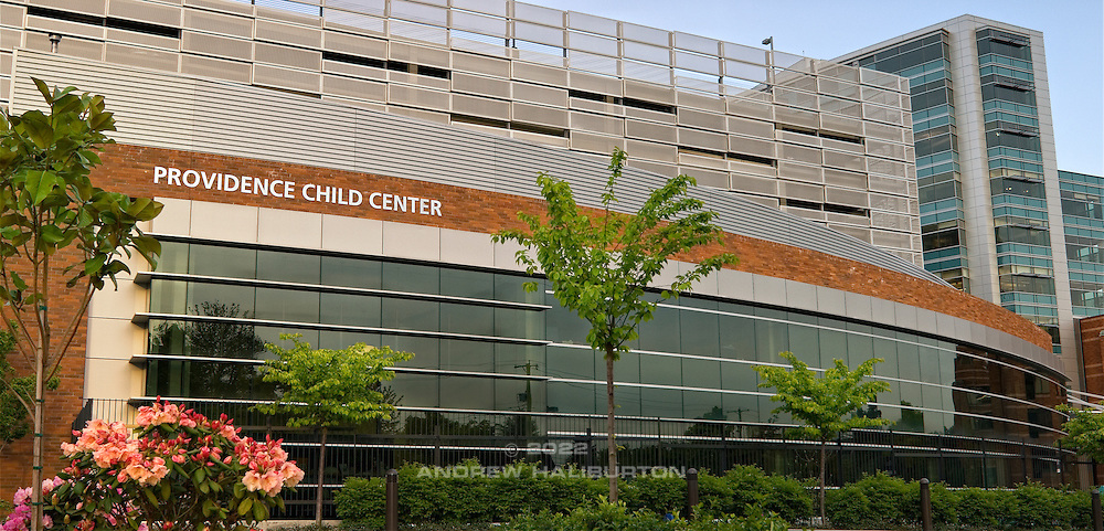 Providence Child Center at Providence Portland Medical Center.  830 NE 47th Avenue, Portland.  Architect: Zimmer Gunsul Frasca Architects. Structural and Civil Engineer: KPFF Consulting Engineers. Photo: May 2008.
