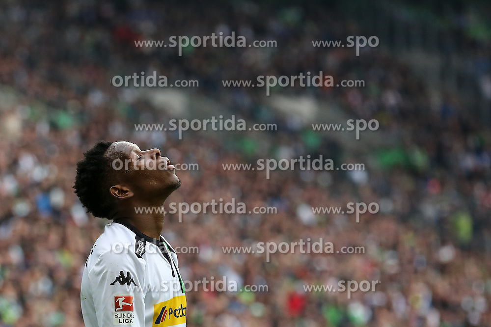 03.10.2015, Stadion im Borussia Park, Moenchengladbach, GER, 1. FBL, Borussia Moenchengladbach vs VfL Wolfsburg, 8. Runde, im Bild Ibrahima Traore (Borussia Moenchengladbach #16) // during the German Bundesliga 8th round match between Borussia Moenchengladbach and VfL Wolfsburg at the Stadion im Borussia Park in Moenchengladbach, Germany on 2015/10/03. EXPA Pictures &copy; 2015, PhotoCredit: EXPA/ Eibner-Pressefoto/ Sch&uuml;ler<br /> <br /> *****ATTENTION - OUT of GER*****