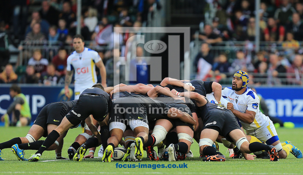 Fritz Lee of Clermont Auvergne looks over the scrum during the European Rugby Champions Cup match at Allianz Park, London<br /> Picture by Michael Whitefoot/Focus Images Ltd 07969 898192<br /> 18/10/2014