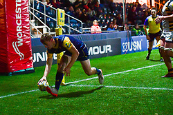 Alex Hearle of Worcester Cavaliers scores his sides first try - Mandatory by-line: Craig Thomas/JMP - 23/10/2017 - RUGBY - Sixways Stadium - Worcester, England - Worcester Cavaliers v Wasps - Aviva A League