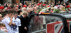10/11/2009 The repatriation cortege of 6 soldiers recently killed in Afghanistan passing through Wootton Bassett...