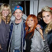 NLD/Amsterdam/20101122 - Inloop 10 jarig jubileum Cybersalon, Nicolette Kluijver,  Johnny de Mol, Peggy Vrijens met eigenaresse Angela Riksten