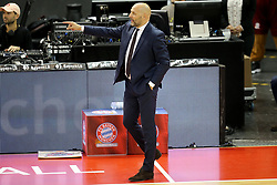 09.12.2017, Audi Dome, Muenchen, GER, EasyCredit BBL, FC Bayern Muenchen Basketball vs MHP Riesen Ludwigsburg, 12. Runde, im Bild Muenchen Cheftrainer Aleksandar Dordevic gibt Anweisungen // during the easyCredit Basketball Bundesliga 12th round match between MHP Riesen Ludwigsburg and 12.Spieltag at the Audi Dome in Muenchen, Germany on 2017/12/09. EXPA Pictures &copy; 2017, PhotoCredit: EXPA/ Eibner-Pressefoto/ Marcel Engelbrecht<br /> <br /> *****ATTENTION - OUT of GER*****