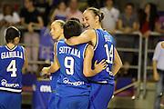 Taranto 08-06-2011<br /> Qualifying Tournament Eurobasket Women 2011<br /> Italia-Romania<br /> Nella foto Kathrin Ress Giorgia Sottana<br /> Foto di Ciamillo-Castoria