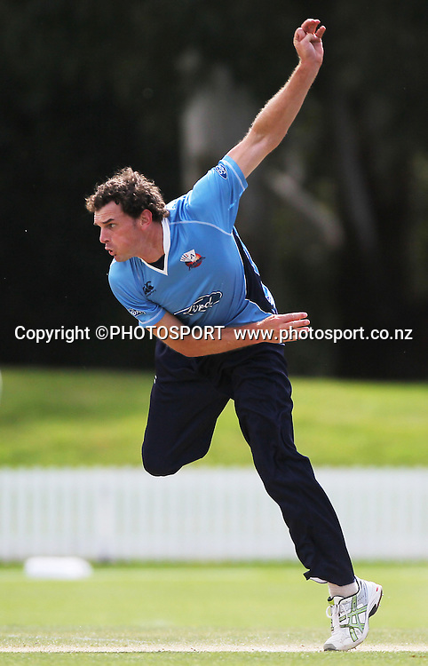 Kyle Mills bowling for Auckland. Auckland Aces v Wellington Firebirds,   Ford Trophy one day game held at Burt Sutcliffe Oval, Lincoln, Friday 25 November 2011. Photo : Joseph Johnson / photosport.co.nz