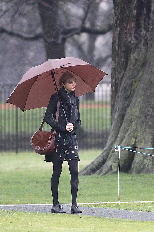 24.JANUARY.2012. LONDON<br /> <br /> TAYLOR SWIFT OUT AND ABOUT IN BOND STREET AND NOTTING HILL AND LATER AT THE DIANA MEMORIAL ON HER VISIT TO LONDON<br /> <br /> BYLINE: EDBIMAGEARCHIVE.COM<br /> <br /> *THIS IMAGE IS STRICTLY FOR UK NEWSPAPERS AND MAGAZINES ONLY*<br /> *FOR WORLD WIDE SALES AND WEB USE PLEASE CONTACT EDBIMAGEARCHIVE - 0208 954 5968*