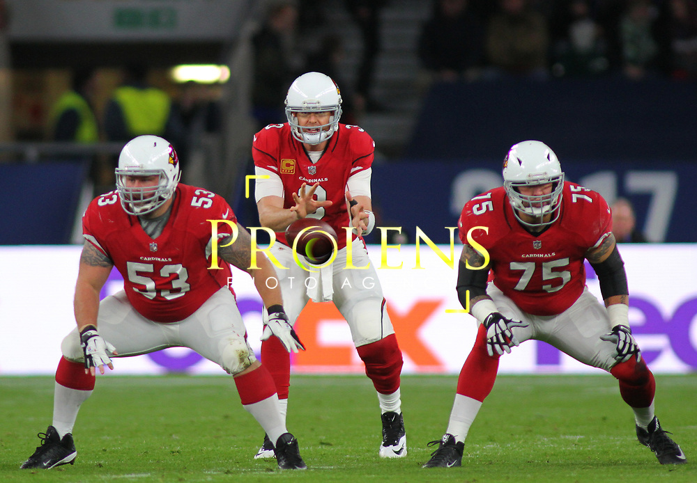 LONDON, ENGLAND - OCTOBER 22: Arizona Cardinals quarterback Carson Palmer (3) during the NFL match between the Arizona Cardinals and the Los Angeles Rams at Twickenham Stadium on October 22, 2017 in London, United Kingdom. (Photo by Mitchell Gunn/ESPA-Images) *** Local Caption ***