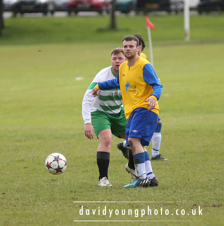Lochee (Green and White) v Tayside Athletic (Yellow and Blue) - Riverview Consultants Dundee Summer Football League Premier Division at Drumgieth<br /> <br />  - &copy; David Young - www.davidyoungphoto.co.uk - email: davidyoungphoto@gmail.com