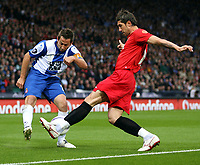 Photo: Paul Thomas.<br /> Espanyol v Sevilla. UEFA Cup Final. 16/05/2007.<br /> <br /> Raul Tamudo (L) crosses behind Ivica Dragutinovic of Sevilla.