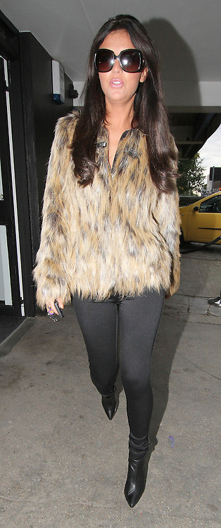05.OCTOBER.2013. LONDON<br /> <br /> LUCY MECKLENBURGH FROM TOWIE SEEN LEAVING HER BOUTIQUE IN ESSEX WEARING A FUR JACKET<br /> <br /> BYLINE: EDBIMAGEARCHIVE.CO.UK<br /> <br /> *THIS IMAGE IS STRICTLY FOR UK NEWSPAPERS AND MAGAZINES ONLY*<br /> *FOR WORLD WIDE SALES AND WEB USE PLEASE CONTACT EDBIMAGEARCHIVE - 0208 954 5968*