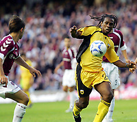 Fotball<br /> Foto: imago/Digitalsport<br /> NORWAY ONLY<br /> <br /> 09.08.2006  <br /> <br /> Emerson Moises Costa (AEK Athen, re.) im Zweikampf<br /> <br /> Champions League Qualifikation 2006/2007, Hearts of Midlothian - AEK Athen 1:2