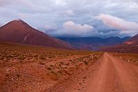 ATARDECER EN CAMINO A IRUYA, PROV. DE SALTA, ARGENTINA