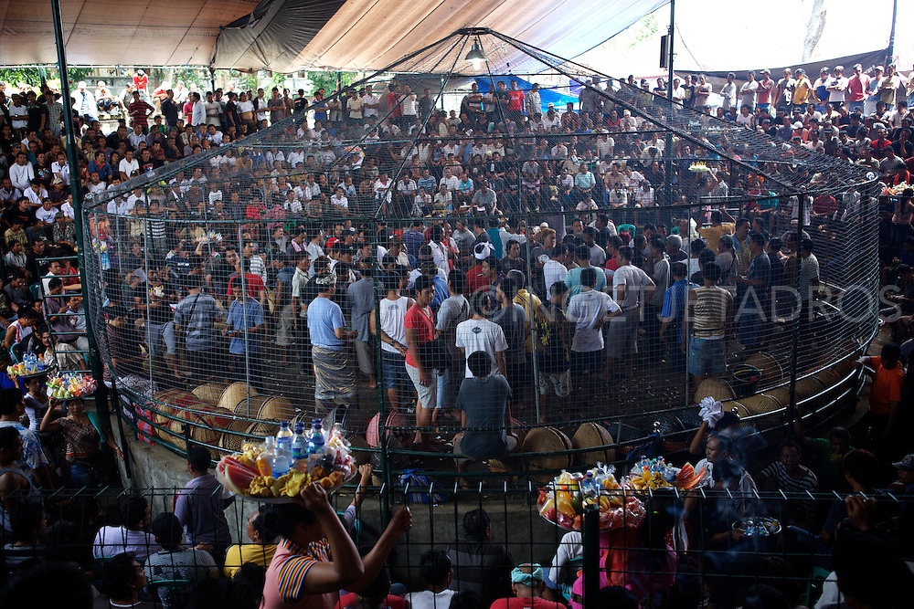 The heat and noice in the super large tent is intense!<br />