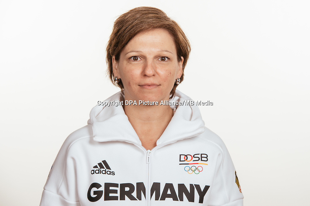 Katrin Grafarend poses at a photocall during the preparations for the Olympic Games in Rio at the Emmich Cambrai Barracks in Hanover, Germany, taken on 14/07/16 | usage worldwide