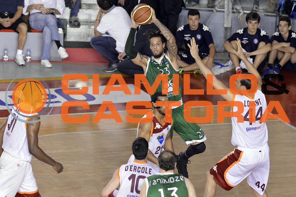 DESCRIZIONE : Roma Lega A 2012-2013 Acea Roma Montepaschi Siena playoff finale gara 5<br /> GIOCATORE : Daniel Hackett<br /> CATEGORIA : Passaggio Penetrazione<br /> SQUADRA : Montepaschi Siena<br /> EVENTO : Campionato Lega A 2012-2013 playoff finale gara 5<br /> GARA : Acea Roma Montepaschi Siena<br /> DATA : 19/06/2013<br /> SPORT : Pallacanestro <br /> AUTORE : Agenzia Ciamillo-Castoria/GiulioCiamillo<br /> Galleria : Lega Basket A 2012-2013  <br /> Fotonotizia : Roma Lega A 2012-2013 Acea Roma Montepaschi Siena playoff finale gara 5<br /> Predefinita :