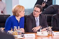 14 MAR 2018, BERLIN/GERMANY:<br /> Julia Kloeckner (L), MdB, CDU, Bundesministerin fuer Ernaehrung und Landwirtschaft, und Andreas Scheuer (R), MdB, CSU, Bundesminister fuer Verkehr und digitale Infrastruktur, vor Beginn der ersten Sitzung des Kabinetts Merkel IV, Kabinettsaal, Bundeskanzleramt<br /> IMAGE: 20180314-02-016<br /> KEYWORDS: Julia Kl&ouml;ckner, Kabinett, Kabinettsitzung, Sitzung,, neues Kabinett