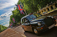 Taxi @ The Mall, St. James' Park
