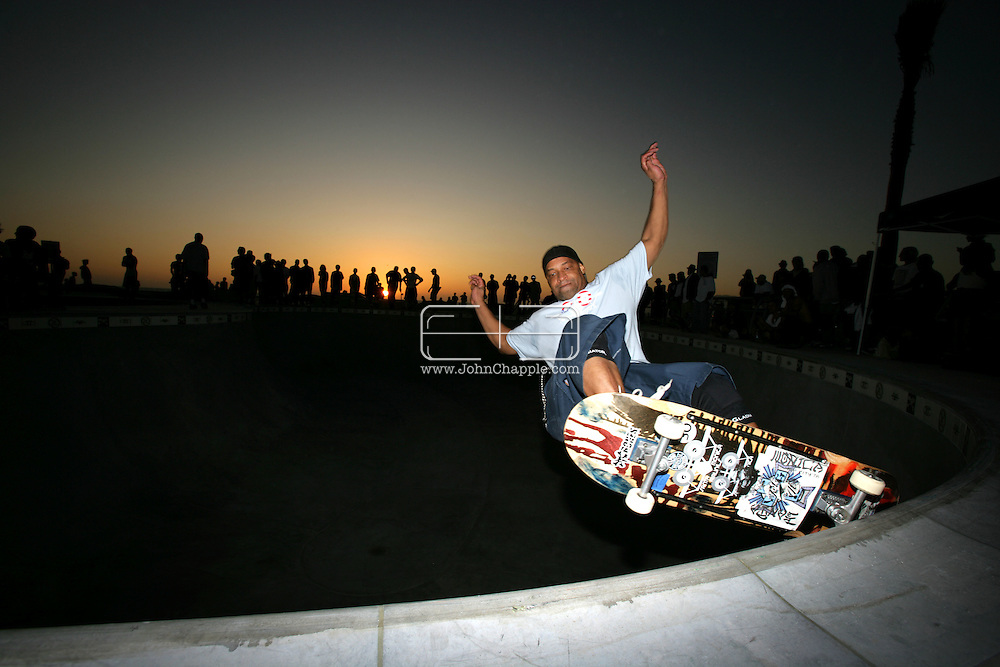 3rd October 2009. Venice Beach, California.  The opening day for the new Venice Beach.skatepark The (US) $3.4-million park, features bowls that resemble the empty swimming pools where many of the Z-Boys -- Venice's hometown Zephyr skateboard team -- reinvented skateboarding in the Santa Monica and Venice areas in the 1970s. Pictured is pro skater Mark Jones. PHOTO © JOHN CHAPPLE / www.chapple.biz.john@chapple.biz  (001) 310 570 9100.