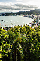 Vista do Mirante do Encanto. Itapema, Santa Catarina, Brasil. / View from Encanto Belvedere. Itapema, Santa Catarina, Brazil.