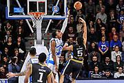 DESCRIZIONE : Campionato 2014/15 Serie A Beko Dinamo Banco di Sardegna Sassari - Upea Capo D'Orlando<br /> GIOCATORE : Gianluca Basile Kenneth Kadji<br /> CATEGORIA : Tiro Penetrazione Sottomano Controcampo Difesa<br /> SQUADRA : Upea Capo D'Orlando<br /> EVENTO : LegaBasket Serie A Beko 2014/2015<br /> GARA : Dinamo Banco di Sardegna Sassari - Upea Capo D'Orlando<br /> DATA : 22/03/2015<br /> SPORT : Pallacanestro <br /> AUTORE : Agenzia Ciamillo-Castoria/L.Canu<br /> Galleria : LegaBasket Serie A Beko 2014/2015