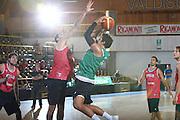 DESCRIZIONE : Bormio Raduno Collegiale Nazionale Italiana Maschile Allenamento<br /> GIOCATORE : Marco Belinelli<br /> SQUADRA : Nazionale Italia Uomini <br /> EVENTO : Raduno Collegiale Nazionale Italiana Maschile <br /> GARA : <br /> DATA : 13/07/2009 <br /> CATEGORIA : tiro penetrazione<br /> SPORT : Pallacanestro <br /> AUTORE : Agenzia Ciamillo-Castoria/G.Ciamillo