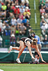 Olympic Trials Eugene 2012: women's Javelin, Kara Patterson, 2nd, Olympian, falls, hurts knee