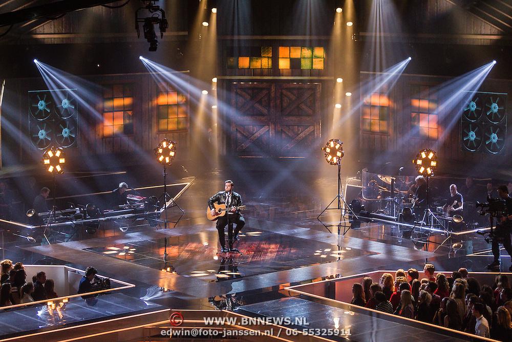 NLD/Hilversum/20160109 - 4de live uitzending The Voice of Holland 2015, optreden Dave Vermeulen
