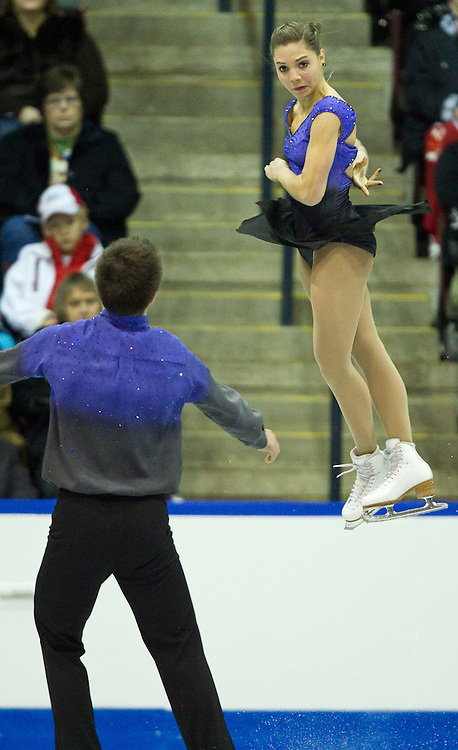 GJR397 -20111029- Mississauga, Ontario,Canada-  Jessica Dube and Sebastien Wolfe of Canada skate their free skate in the pairs competition at Skate Canada International, in Mississauga, Ontario, October 29, 2011.<br /> AFP PHOTO/Geoff Robins