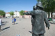 Marktplatz (Market Square). Fischerdenkmal (Fishermen's Monument), a gift to the city by Reederei Deilmann.