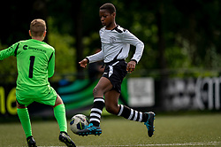 Shanun #14 of VV Maarssen  in action. VV Maarssen O14-1 played a friendly game against CDW O15-2. Maarssen won 9-2 on July 11, 2020 at Daalseweide sports park Maarssen.