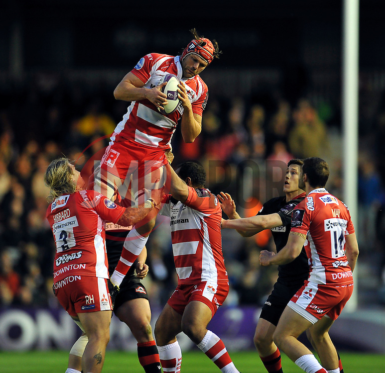 Tom Palmer of Gloucester Rugby claims the ball in the air - Photo mandatory by-line: Patrick Khachfe/JMP - Mobile: 07966 386802 01/05/2015 - SPORT - RUGBY UNION - London - The Twickenham Stoop - Edinburgh Rugby v Gloucester Rugby - European Rugby Challenge Cup Final
