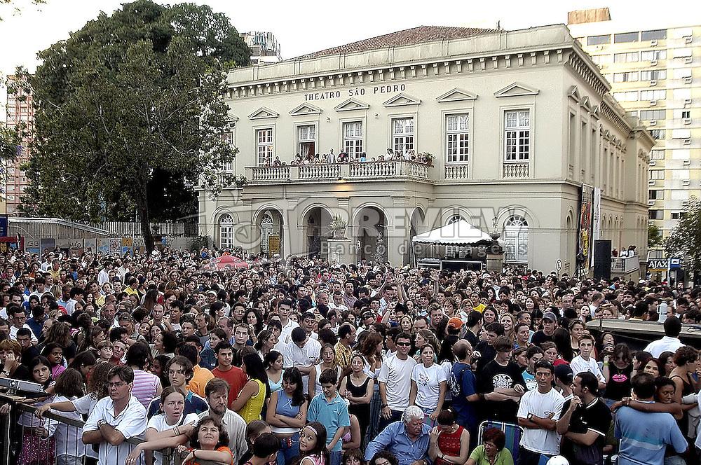 RS - Porto Alegre - Teatro S&atilde;o Pedro - Show do grupo teatral Tangos e Trag&eacute;dias na Pra&ccedil;a da Matriz.<br /> <br /> Foto: L. A. Guerreiro/Preview.com