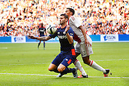04-10-2015 VOETBAL: AJAX-PSV:AMSTERDAM<br /> Gaston Pereiro van PSV in duel met Jairo Riedewald van Ajax <br /> <br /> Foto: Geert van Erven