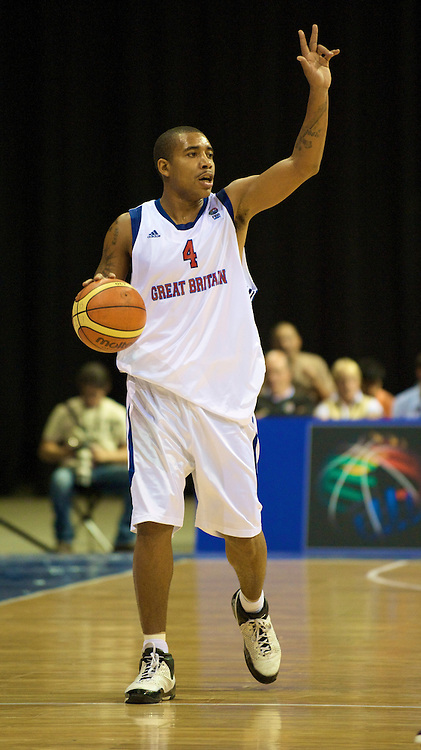 LIVERPOOL, ENGLAND - Saturday, September 13, 2008: Great Britain's Jarrett Hart in action against Israel during the EuroBasket 2009 Division A match at the Liverpool Arena. (Photo by David Rawcliffe/Propaganda)