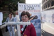 Roma 13 Maggio 2012. Marcia nazionale per la Vita contro la legge 194 sull'aborto organizzata dai movimenti cattolici
