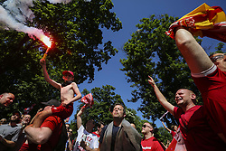May 26, 2018 - Kiev, Ukraine - Liverpool FC fans and supporters entertain at ''Liverpool fan city'' at Taras Shevchenko park downtown Kyiv, Ukraine, May 26, 2018 before the UEFA Champions League Final. (Credit Image: © Sergii Kharchenko/NurPhoto via ZUMA Press)