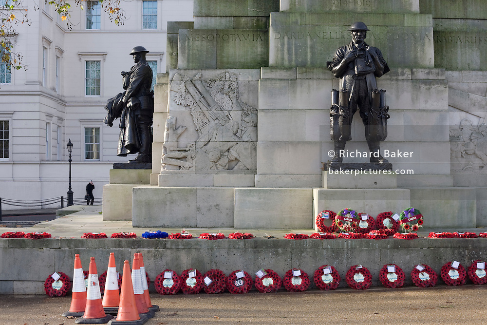 Bronze statue of soldiers commemorating First World War battles on the side of the Royal Artillery war memorial at Hyde Park.