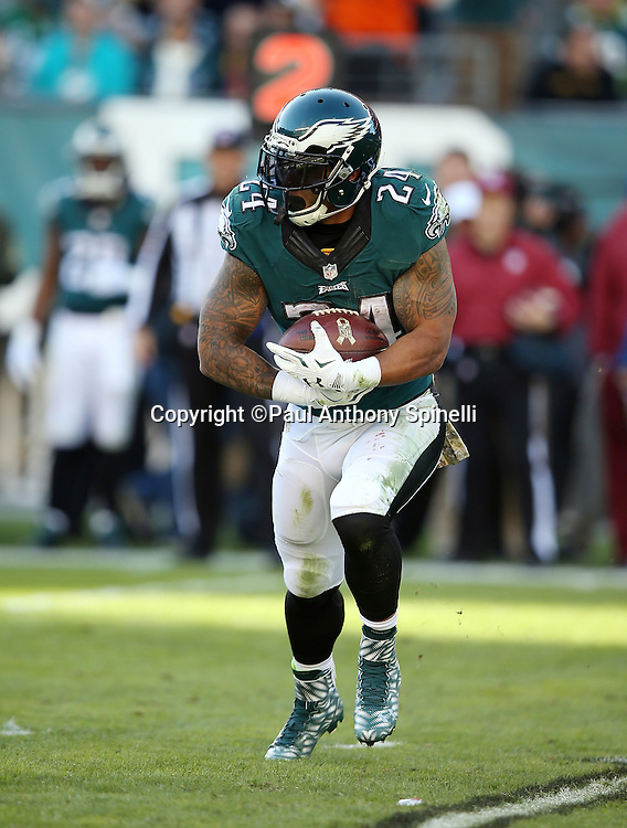 Philadelphia Eagles running back Ryan Mathews (24) runs the ball in the second quarter during the 2015 week 10 regular season NFL football game against the Miami Dolphins on Sunday, Nov. 15, 2015 in Philadelphia. The Dolphins won the game 20-19. (©Paul Anthony Spinelli)