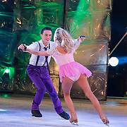 NLD/Hilversum/20130105 - 2de Liveshow Sterren Dansen op het IJs 2013, Monsif Bakkali en danspartner Patti Petrus
