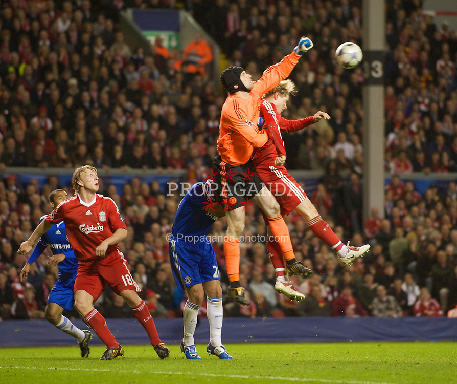 LIVERPOOL, ENGLAND - Wednesday, April 8, 2009: Liverpool's Fernando Torres and Chelsea's goalkeeper Petr Cech during the UEFA Champions League Quarter-Final 1st Leg match at Anfield. (Photo by David Rawcliffe/Propaganda)