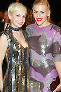 Michelle Williams, Busy Phillips
